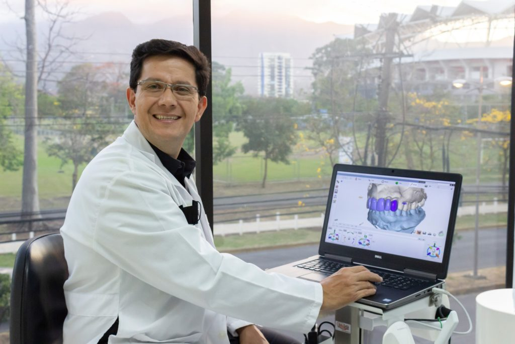 Dr Garita, Costa Rica Dental Implants Specialist.